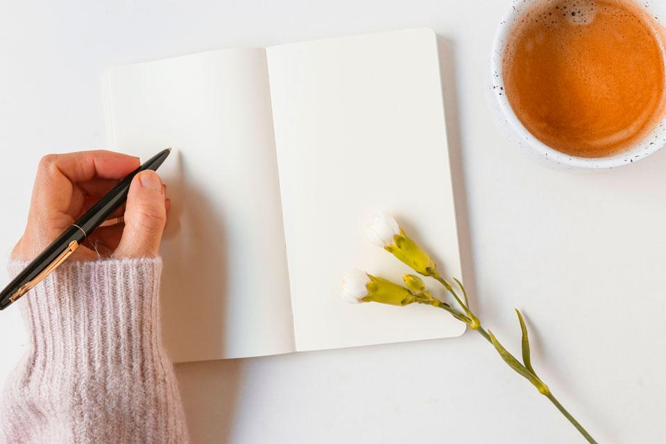 Creative-Writing-Tips---Write-write-and-keep-writing